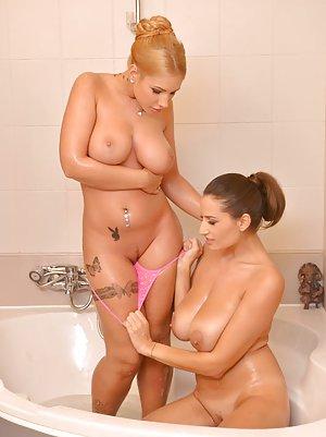 Lesbian in Bath Pics
