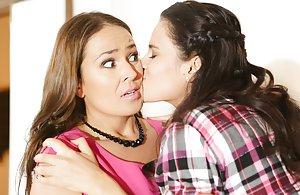 Lesbian Reality Pics