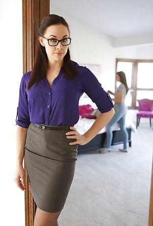 Lesbian in Glasses Pics