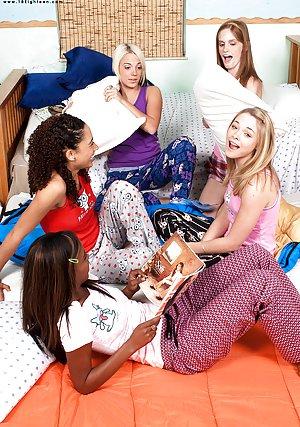 Lesbian Teens Pics