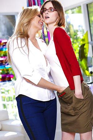 Amateur Lesbians Pics