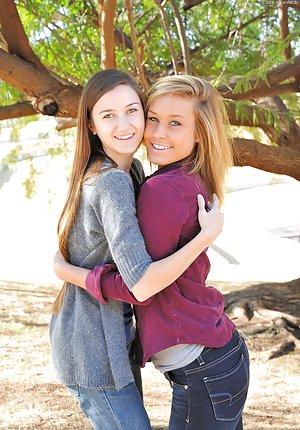 Lesbians in jeans Pics